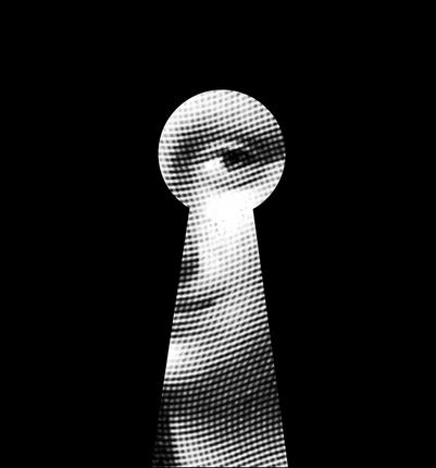 Image of Mona Lisa masked in shape of key hole