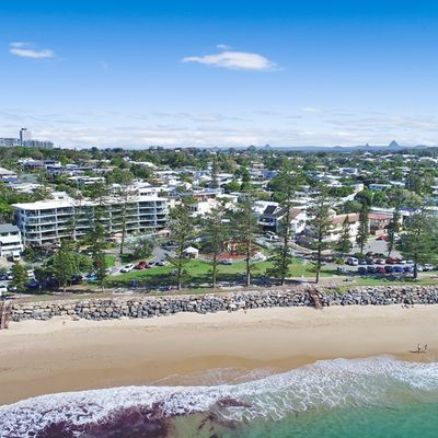 The Local's Guide to the Best Beaches on the Sunshine Coast