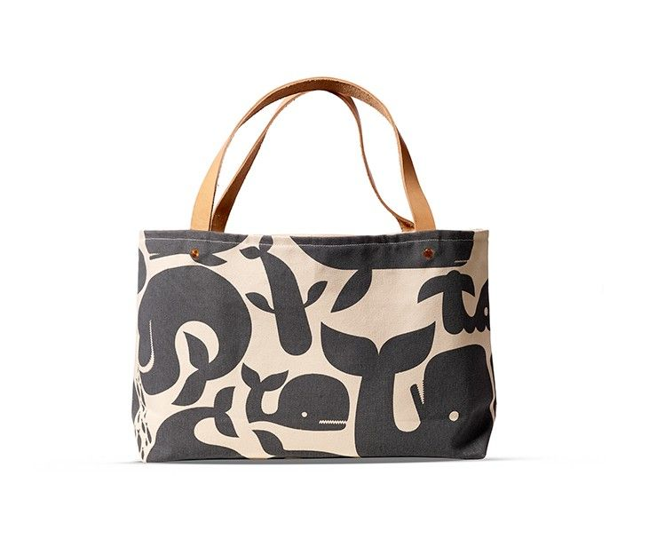 pt-01-pottok-tote-canvas-whales-731by607.jpg