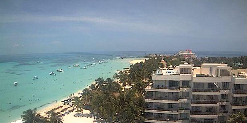 Beach view at Ixchel Beach Hotel