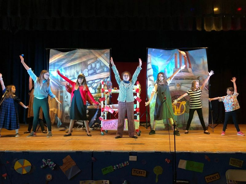 mainstages performance of Willy Wonka Jr.
