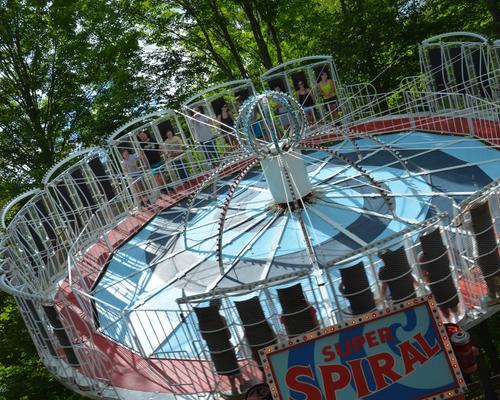 the Super Spiral Family Ride at DelGrosso's Amusement Park