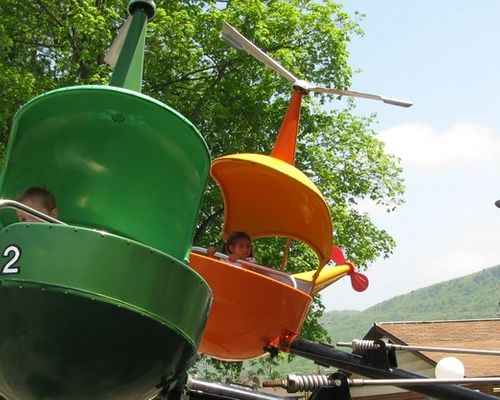 Helicopters Kiddie Ride at DelGrosso's Amusement Park