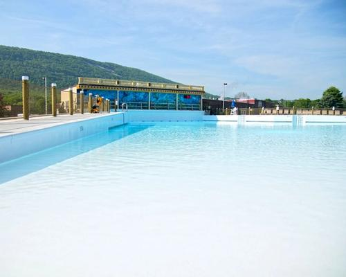 Wave Oceano pool at the Laguna Splash Water Park