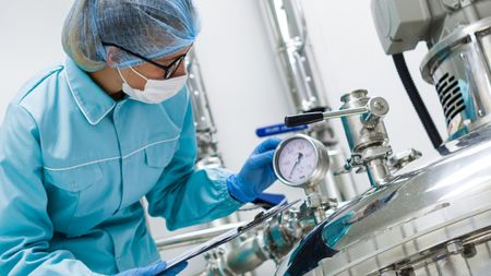 Moving Closer to End-to-End Continuous Bioprocessing; Image: Ivan Traimak/Stock.Adobe.com