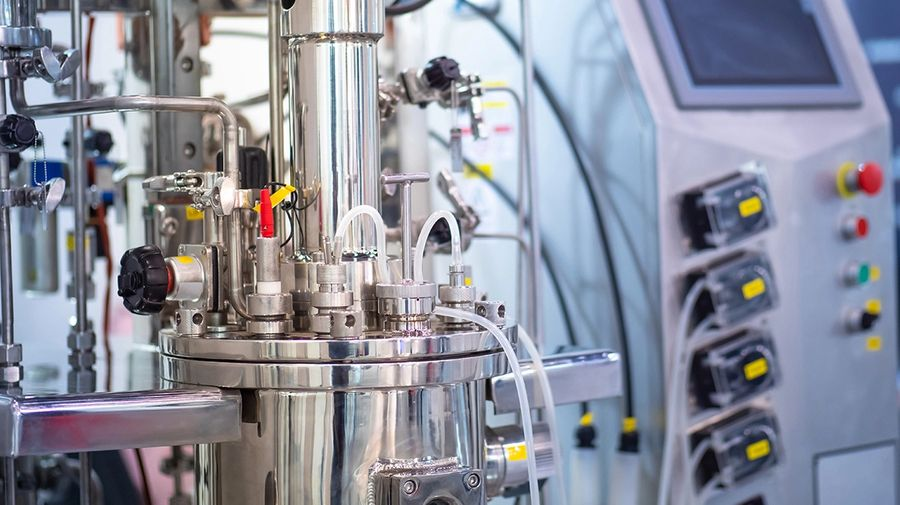 Innovative approaches, including ready-to-use materials and in-line dilution, can significantly streamline overall bioprocessing operations. (Image: Grispb/Stock.Adobe.com)