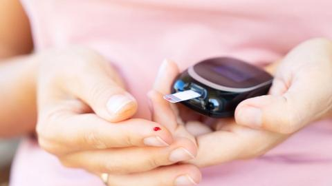 Age at menopause and type 2 diabetes