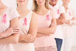 Many Women Are Satisfied After 'Going Flat' Post-Mastectomy, Study Finds
