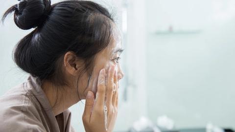 Skin care for sensitive and diseased skin