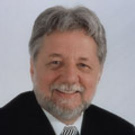 Dr. Claudio Levato