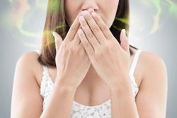 5 Causes of Bad Breath and How to Freshen Up