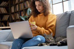 A promising job outlook for new veterinary school graduates