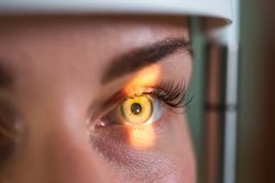 Gene-Independent Therapeutic Strategies for Retinal Degeneration