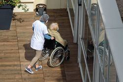 Nursing Homes Need Fulltime Infection Preventionists