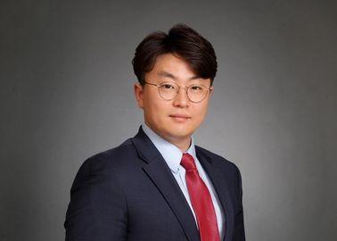 Dae Y. Lee