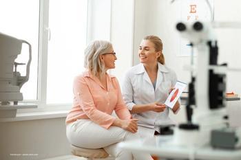 Treating chronic uveitis with fluocinolone acetonide implants