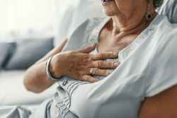 Increase in Abdominal Fat Linked to Greater Heart Disease Risk in Menopause