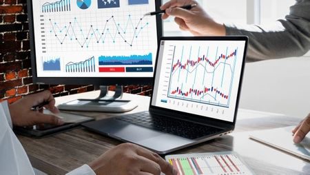 Optimizing Tech Transfer with Advanced Analytics. Image: onephoto - stock.adobe.com