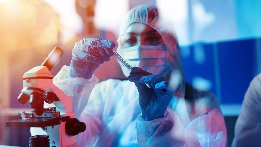 Pharma Services Sector Poised for Continued Growth; image: ALPHASPIRIT - STOCK.ADOBE.COM