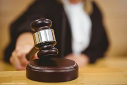Urologist claims patient negligence in defense of malpractice lawsuit