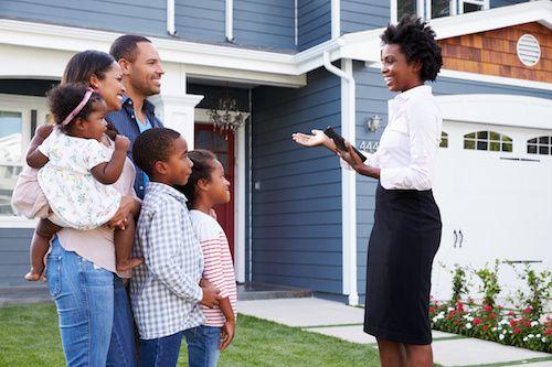 VA Mortgage lender talking to potential buyer.