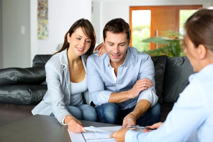 Couple in VA Loan pre-purchase counseling.