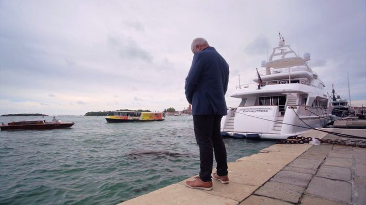 Richard Bell in Venice for his Video 'Larry'