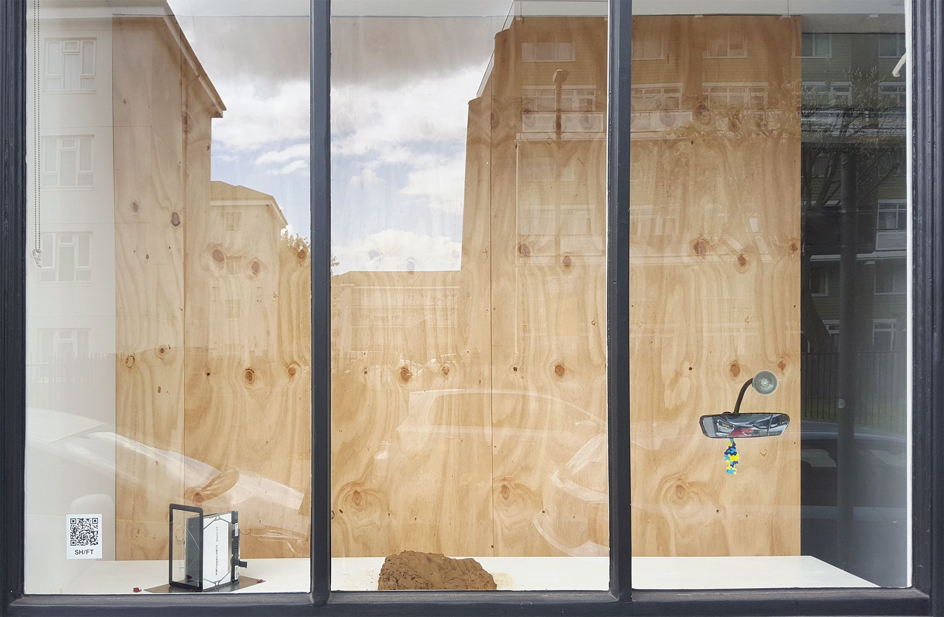 Davinia-Ann Robinson, Elisabeth Molin, Serra Tansel, SH/FT installation view, 2021
