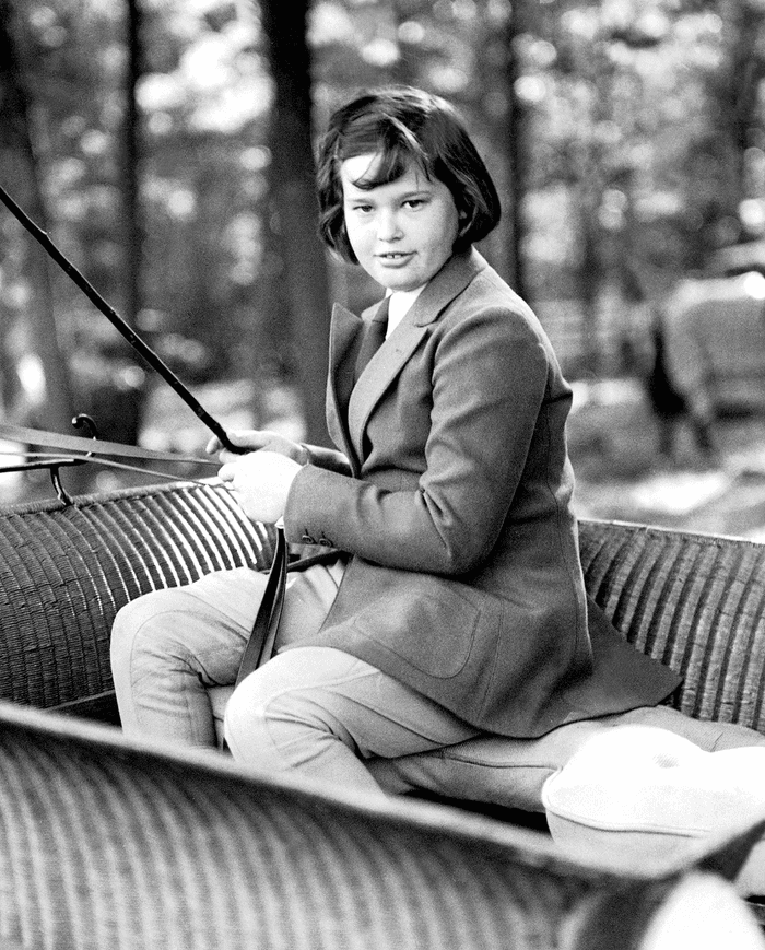 Black and white photo of Gloria Vanderbilt as a 10 year old in 1935