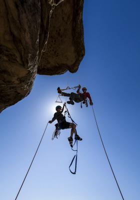 arrampicata sportiva discesa di coppia