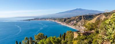 spiaggia giardini naxos in sicilia