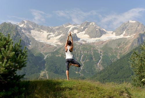 Yoga e trekking in Alto Adige cover