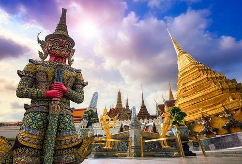Tra i templi di Buddha cover