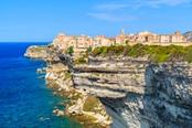 bonifacio a picco sul mare in corsica