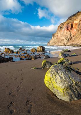 spiaggia vulcanica playa del ingles tenerife