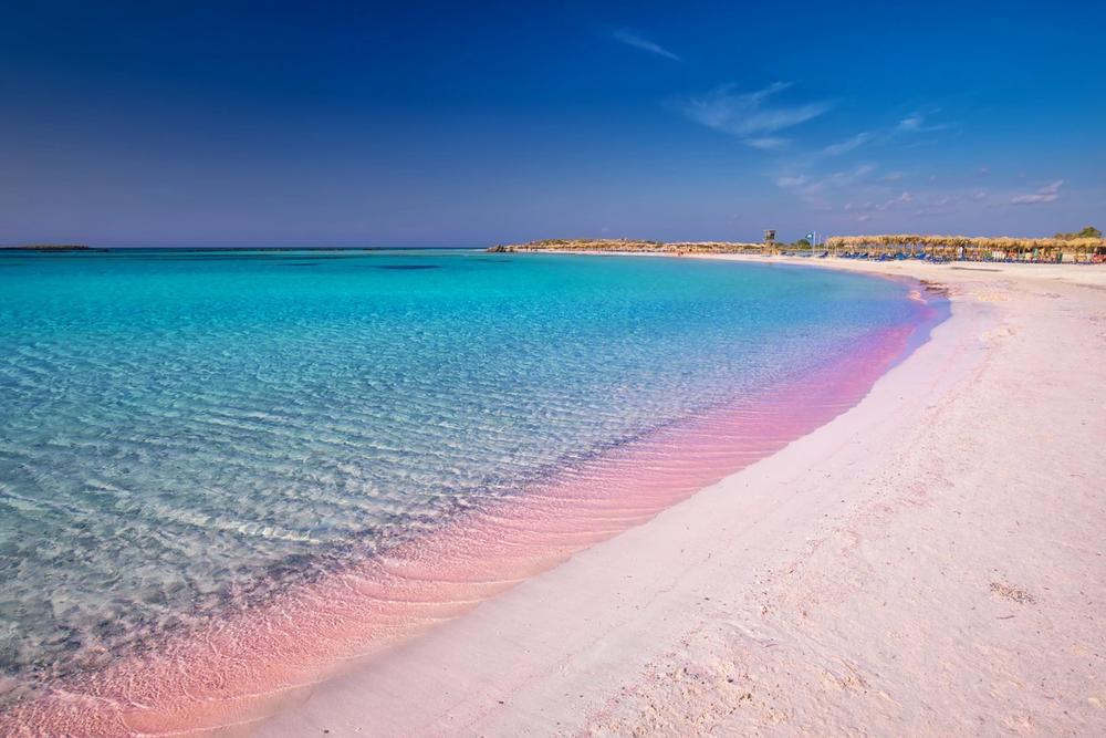 spiaggia rosa in grecia