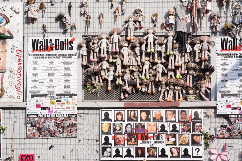 muro delle bambole milano