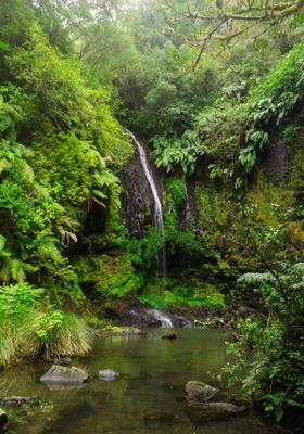 cascata nel parco nazionale de la montagne d ambre