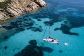 barca a vela nell arcipelago di la maddalena