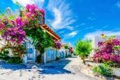 stradine con case colorate di bodrum
