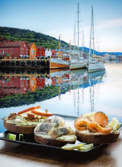 aperitivo in norvegia in riva al mare
