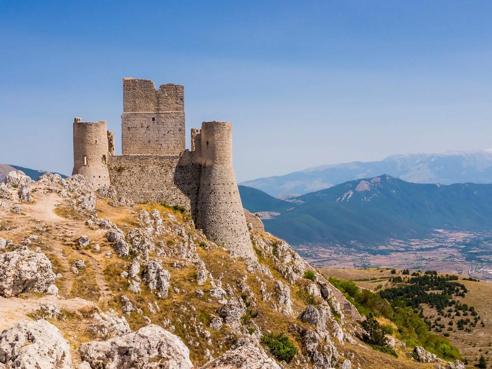 castello di rocca calascio in abruzzo