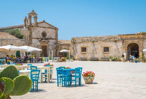 Sicilia Orientale: Dove nasce il Sole cover