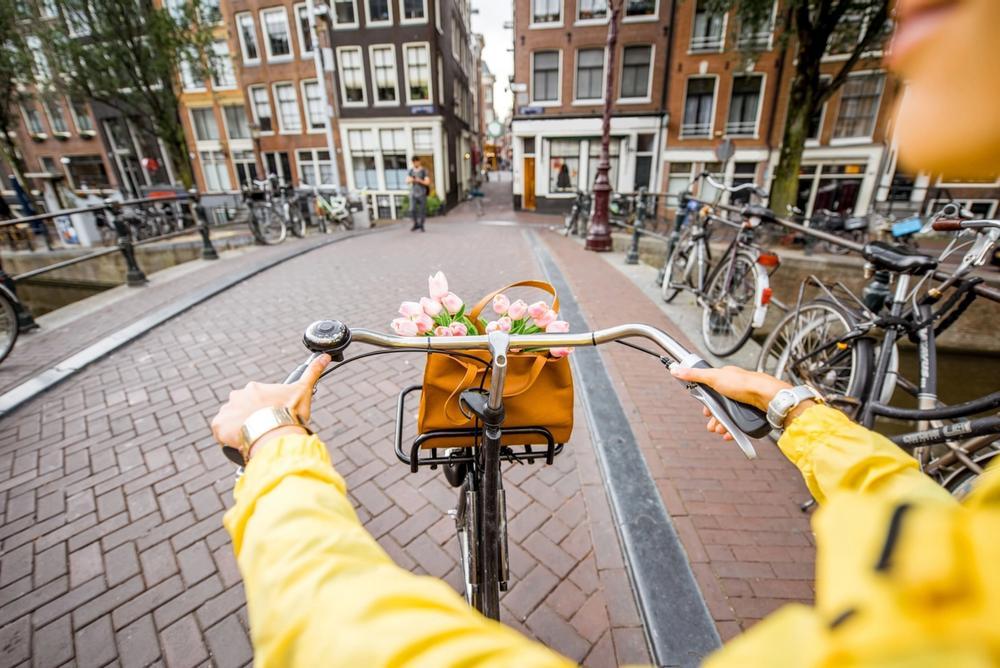 tour in bicicletta fra i canali di amsterdam