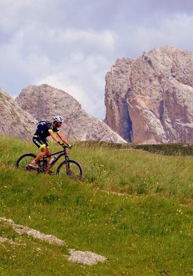 Biking sulle montagne delle Dolomiti
