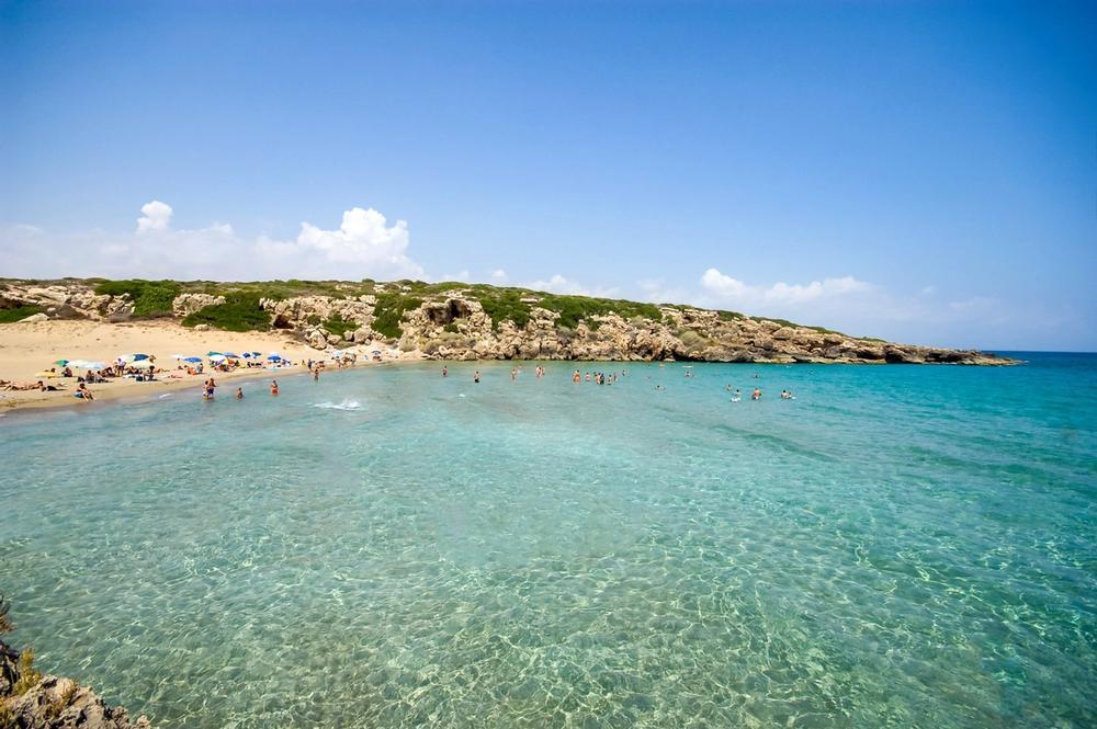 spiaggia di calamosche a siracusa in sicilia