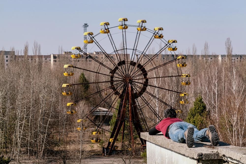 parco giochi abbandonato a prypjat vicino chernobyl