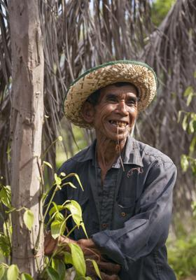 uomo cambogiano a kampot
