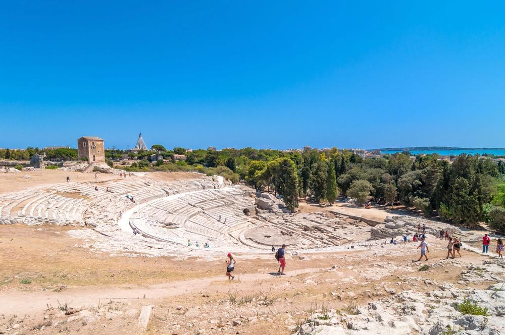 teatro greco del parco archeologico della neapolis a siracusa