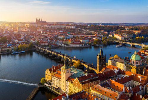 È l'ora di un viaggio a Praga! cover